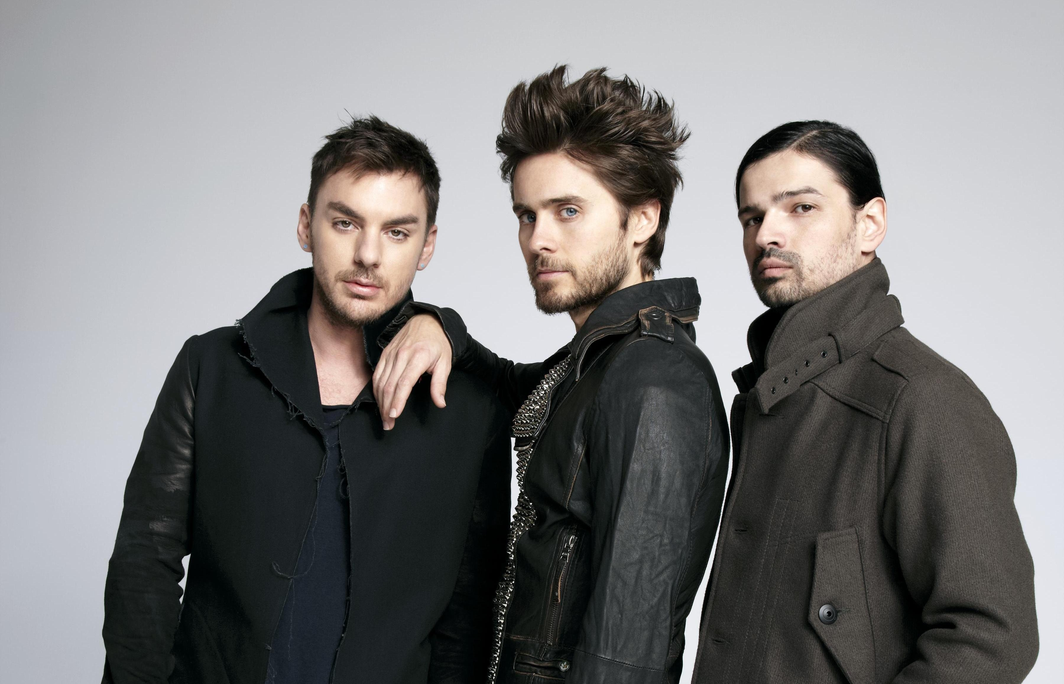 Thirty Seconds to Mars (commonly stylized as 30 Seconds to Mars) is an American rock band from Los Angeles, California, formed in The band consists of brothers Jared Leto (lead vocals, guitar, bass, keyboards) and Shannon Leto (drums, percussion).Occupation: Soundtrack, Actor, Music Department..